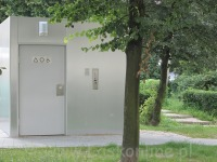 toaleta przy targowisku Witaminka